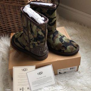 Ugg calfskin CAMO boots